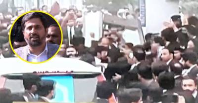 وزیر اطلاعات پنجاب فیاض الحسن چوہان بھی وکلا گردی کا نشانہ بن گئے