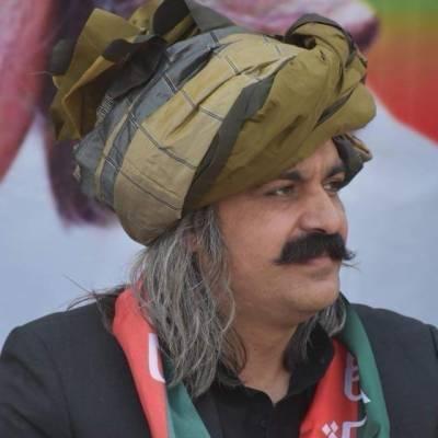 تحریک انصاف کی حکومت میں مسئلہ کشمیر حل کر لیا جائے گا، علی امین گنڈا پور