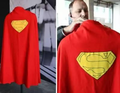 سپر مین کی کیپ2 لاکھ ڈالر میں فروخت