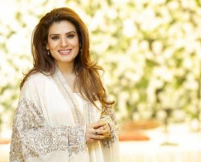 اداکارہ ریشم نے شادی کی خبروں کی تردید کر دی