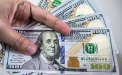 کاروباری ہفتے کے پہلے روز ہی حصص بازار میں ریکارڈ کمی، ڈالر تین پیسے مہنگا
