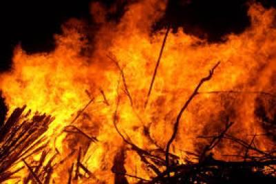 نماز جمعہ کے وقفے کے دوران فیکٹری میں آگ لگ گئی،ایک شخص جاں بحق