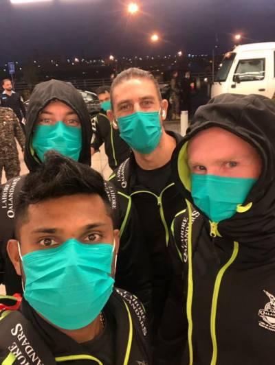 پی ایس ایل میں شریک غیر ملکی کھلاڑیوں نے ماسک پہننا شروع کردئیے