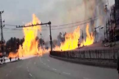 لاہور، شاہدرہ موڑ کے قریب ٹینکر میں خوفناک آتشزدگی، 10 افراد زخمی