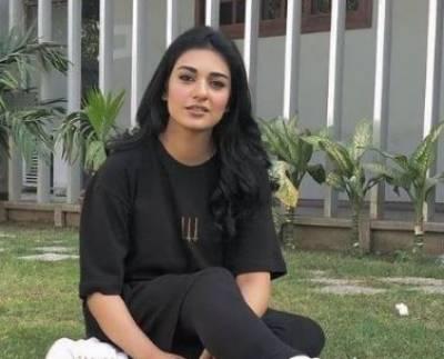 اداکارہ سارہ خان نے ڈائریکٹر کو تھپڑ دے مارا