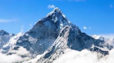 دنیا کی بلند ترین چوٹی ماؤنٹ ایورسٹ کی دوبارہ پیمائش شروع