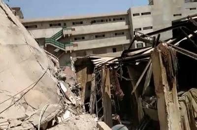 کراچی : فیکٹری کی عمارت گرنے سے دو افراد جاں بحق ، متعددافراد ملبے تلے دب گئے