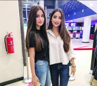 صبور علی نے اپنی بہن اداکارہ سجل علی پر چوری کا ' الزام' عائد کردیا