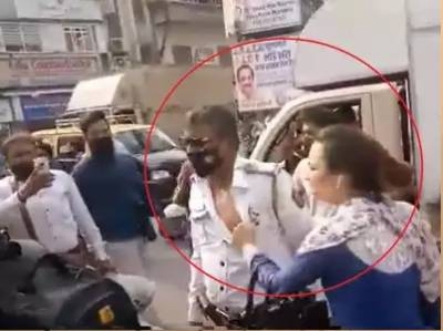 Indian , woman, traffic police, beat