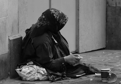 Woman beggar, owns 3 million Egyptian pounds, arrested