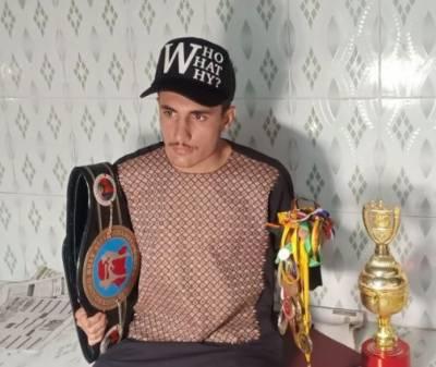 Amir Khan boxer, Kick boxing