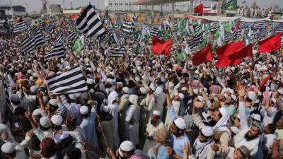 مدارس کے طلبا پی ڈی ایم کے احتجاج میں نہ جائیں، وزیراعظم کی شیخ رشید کو ہدایت
