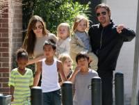 انجلینا جولی اوربریڈپٹ بچوں کی حوالگی کے معاہدے پرمتفق