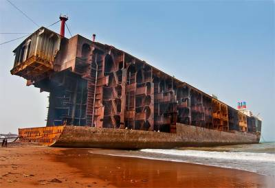گڈانی شپ بریکنگ کی صنعت سے پابندی اٹھانے کا مطالبہ